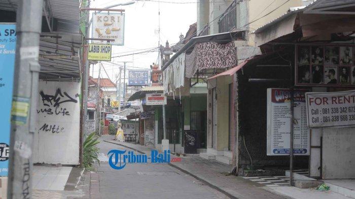 suasana jalanan di Pantai Kuta Kala Pandemi