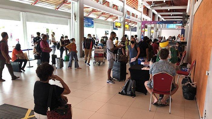 Penumpang Membeludak Tes PCR di Terminal Kedatangan Bandara Ngurah Rai, AP I akan Lakukan Evaluasi