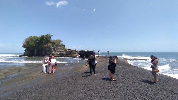Hari Pertama Dibuka Kembali, DTW Tanah Lot Tabanan Dikunjungi 168 Wisatawan
