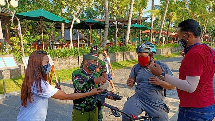 Sambut Hari Pahlawan, LPM Legian, Gerakan Aku for Bali & Legian Beach Hotel Bagikan 500 Nasi Bungkus