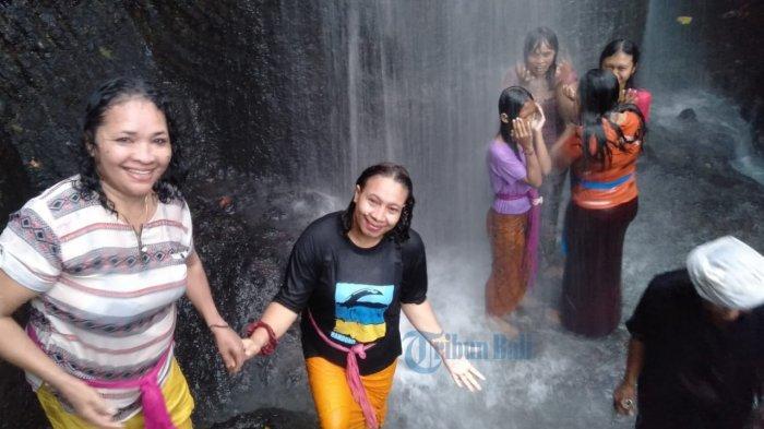Keunikan Tempat Malukat di Griya Beji Waterfall Badung, Ada Sensasi Teriakan dan Tertawa Lepas