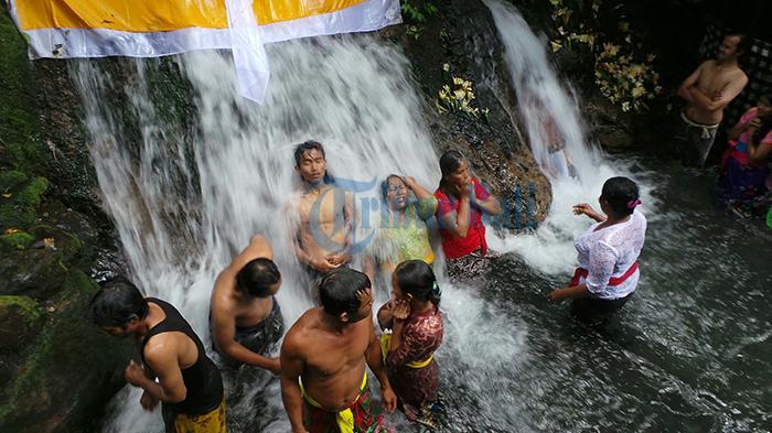 8 Wisata Spritual yang Dapat Dikunjungi Saat Liburan Tahun Baru 2020 di Bali