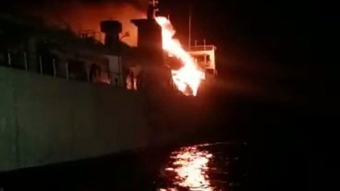 Kapal KM Gerbang Samudra I Terbakar, 145 Penumpang Dievakuasi, 3 Orang Dalam Pencarian