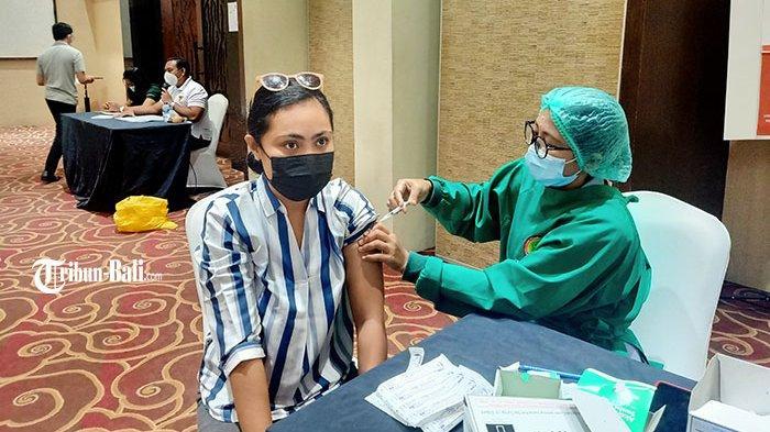 VaksinasiCovid-19 Tahap Dua Hingga 22 April 2021 di BadungBali Sebanyak 43.039 Orang