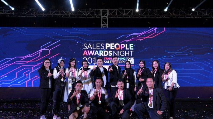 Astra Motor Apresiasi 15 Sales People Terbaik Tour ke Malaysia