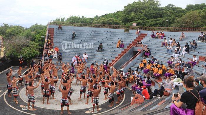 Dukung Kebijakan PPKM, Pementasan Tari Kecak di Uluwatu Dihentikan Sementara