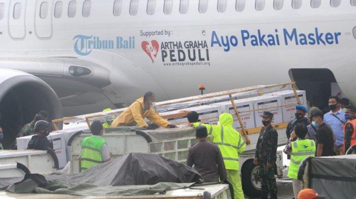 BREAKING NEWS - 20 Ribu Vaksin Sinovac Kedua Tiba di Bali, Dikirim Menggunakan Pesawat Komersial