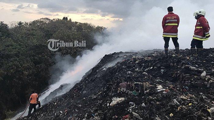 5 Are Lahan TPA Mandung Terbakar, Dugaan Dipicu Ledakan Korek Gas