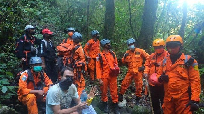 Dua Titik Larangan Tanpa Pemandu Sudah Dipasang, Pendaki Gunung Sang Hyang Tabanan Kerap Tersesat