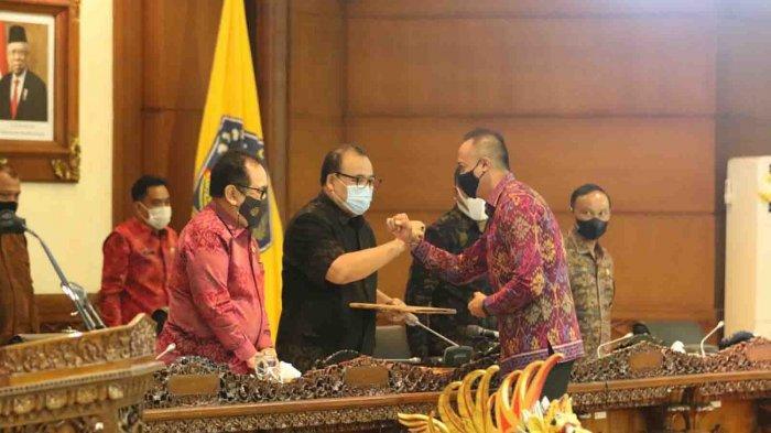 DPRD Bali Gelar Sidang Paripurna, Lima Fraksi Apresiasi Raperda BUPDA dan Raperda Perubahan Ketiga