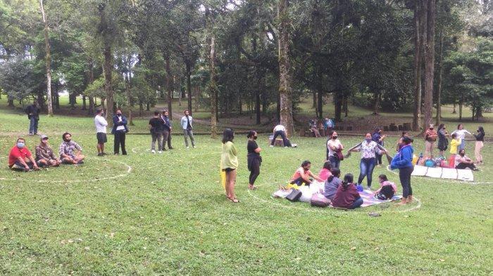 1.200 Wisatawan Serbu Kebun Raya Bedugul Saat Weekend,Dominan Rombongan Keluarga Piknik