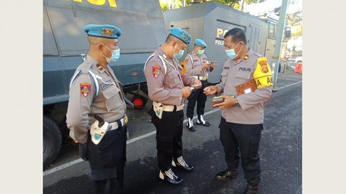 Propam Polres Tabanan Periksa Seluruh Personel
