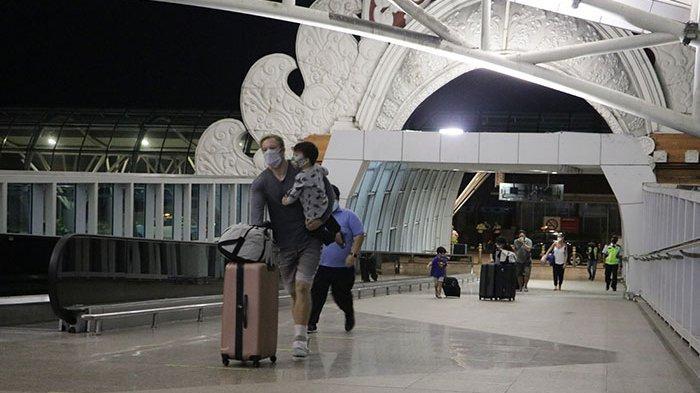 Ratusan WNA  Asal Australia Kembali ke Negaranya Melalui Bandara Ngurah Rai Bali