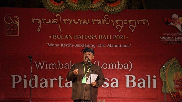 Jro Bendesa Adat Mengwitani Duta Kabupaten Badung Raih Juara I Lomba Pidato Bahasa Bali