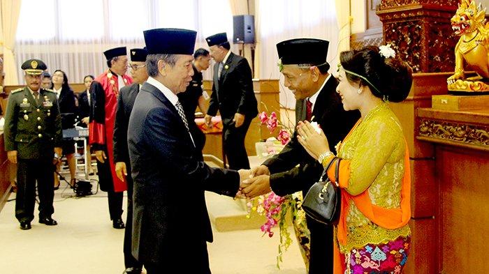 Resmi, I Nyoman Suyasa Dilantik Jadi Wakil Ketua DPRD Bali Gantikan Mang Jangol
