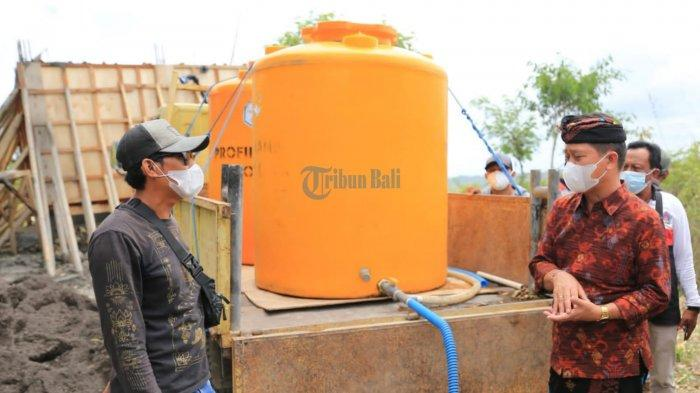 Tinjau Proyek Fisik di Nusa Penida, Suwirta Minta Dinas PU Optimalisasi Sumber Mata Air Temeling
