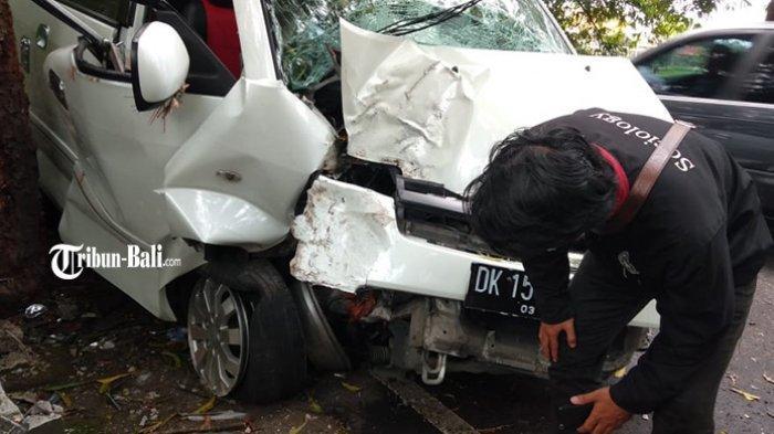 Suzuki APV Ringsek Tabrak Pohon di Gianyar Bali, Mertua Pengemudi: Rencana Pulang Kampung