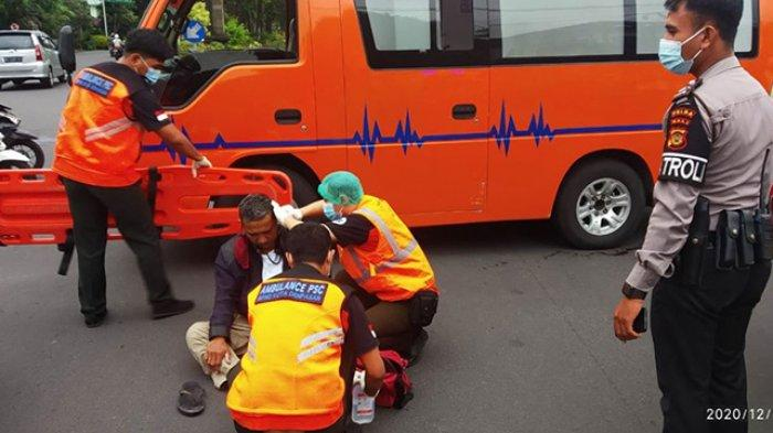 Laka Lantas di Simpang Sudirman-Matahari Denpasar, Seorang Pria Alami Pendarahan pada Telinga
