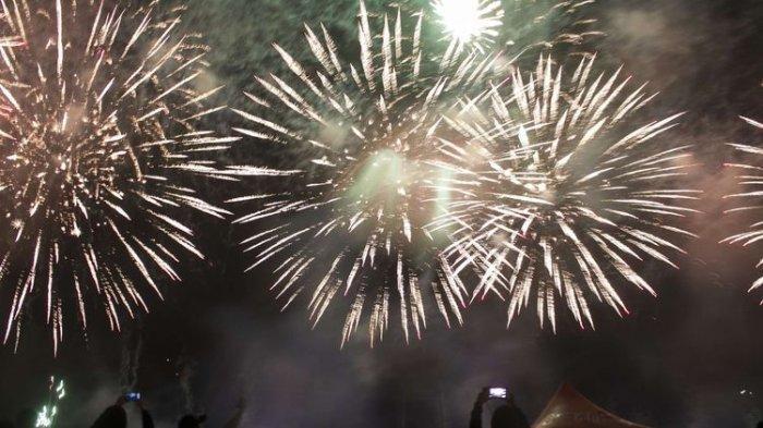 Ini 10 Tradisi Unik Merayakan Tahun Baru dari Seluruh Dunia, Festival hingga Membakar Patung