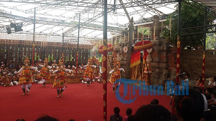 Rwa Bineda, Tari Telek Dwa Praning Gumi Kisahkan Durga Memurti