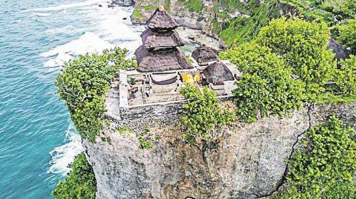 Proyek Penguatan Dinding Tebing Pura Luhur Uluwatu Badung Dibatalkan