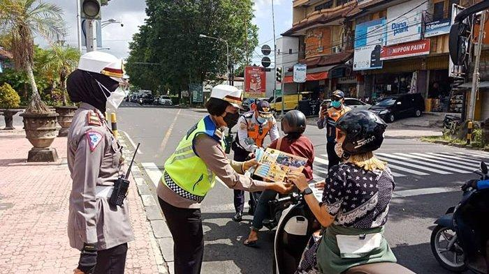 Satlantas Polresta Denpasar Beri Imbauan Tertib Berlalu Lintas Hingga Tidak Mudik ke Masyarakat