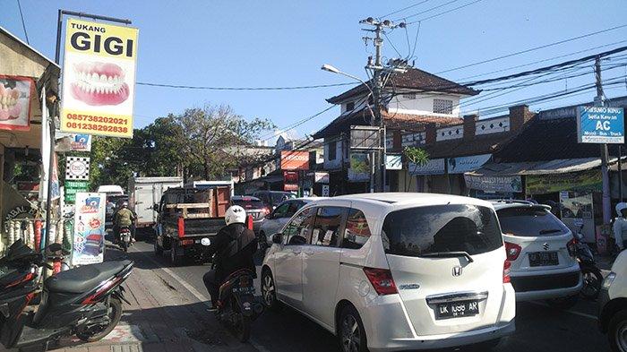 Kemacetan Panjang Terpantau dari Jalan Sesetan hingga Jalan Diponegoro