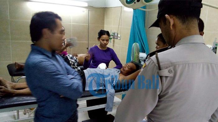 BREAKING NEWS: Tujuh Warga Tersambar Api saat Upacara Ngaben di Klungkung