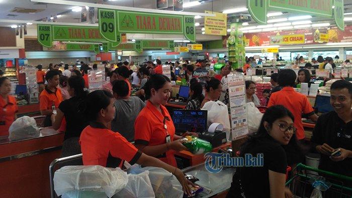 Jelang Nyepi, Tiara Dewata Diserbu Pengunjung, Harga Sembako Masih Normal