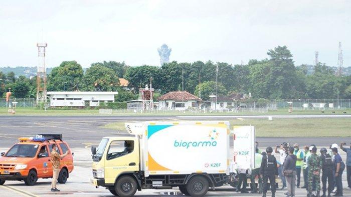 Polda Bali Kawal Kedatangan 10 Ribu Vaksin Covid-19 di Lanud Ngurah Rai Badung