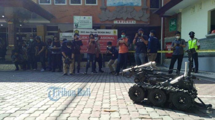 Simulasi Tim Penjinak Bom Gegana di PLN UP2D Denpasar, Syamsi: Bukan Penanggulangan Kasus Terorisme