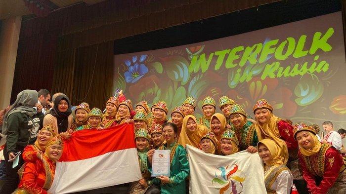 Tim Seni Kesatuan Bangsa Boarding School Yogyakarta Raih Juara di Rusia
