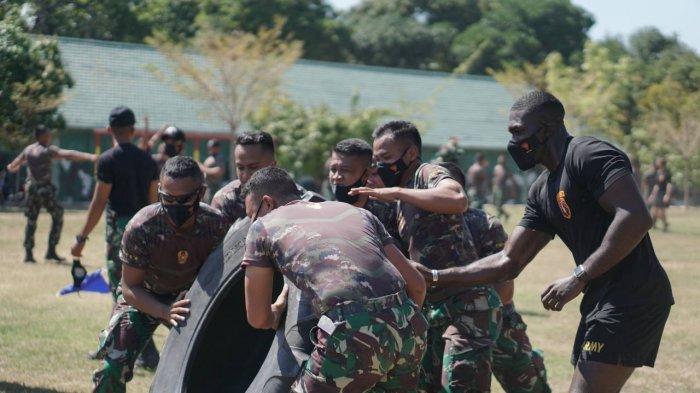 Hari Kelima di Singaraja, Tentara AS Berlatih Sirkuit Training Bersama Prajurit Yonif Raider 900