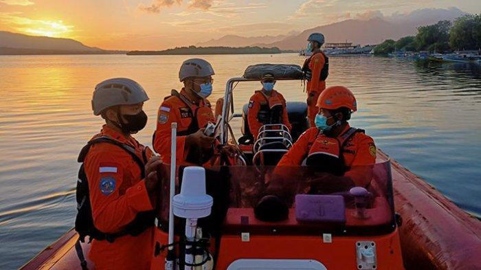 Penumpang Kapal Terjatuh di Perairan Selat Bali, Tim SAR Gabungan Lakukan Pencarian
