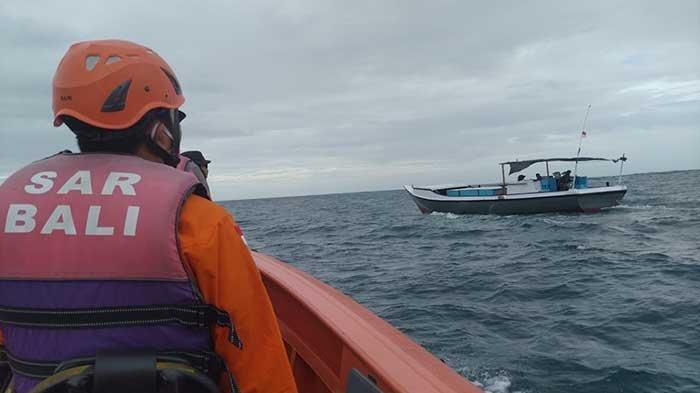 Tim SAR Lakukan Pencarian Nelayan yang Hilang Saat Melaut di Perairan Nusa Dua