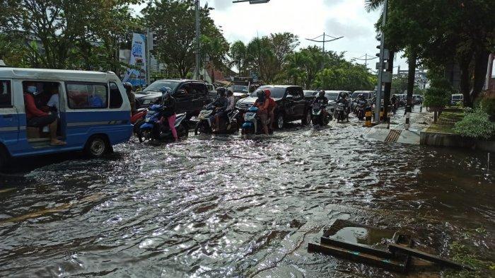 Tips Menjaga Sepeda Motor Menghadapi Kondisi Banjir