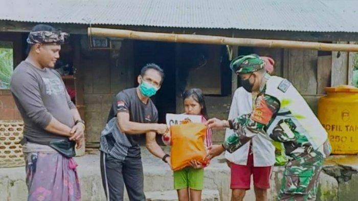 TNI AD Bersama Komunitas Trail di Bali Bantu Kelompok Anak Yatim dan Lansia di Bangli