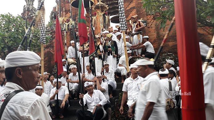 Ini Kisah Dibalik Tradisi Pangrebongan di Desa Adat Kesiman Denpasar