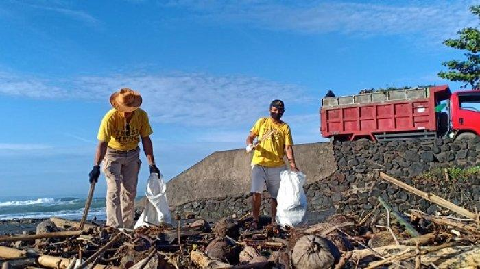 Trash Hero Terpaksa Turun di Masa Pandemi Covid-19, Sampah di Pantai Keramas Memprihatinkan
