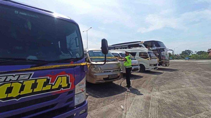 Tim Gabungan Pengetatan Arus Balik di Terminal Mengwi Amankan 5 Kendaraan Tak Miliki Izin Trayek