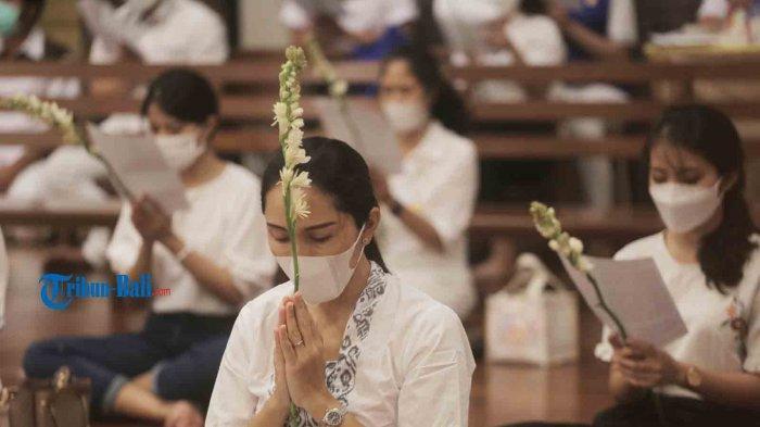 Khema Rindu Rayakan Waisak Bersama Keluarga di Vihara Buddha Sakyamuni Denpasar