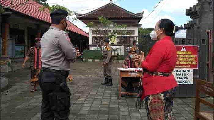 Pemantauan PTM Terbatas Terus Dilakukan Unit Samapta Polsek Abiansemal