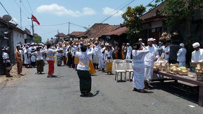Unik, Hari Raya Galungan Tanpa Penjor di Desa Busungbiu, Ternyata Ada Keyakinan Ini