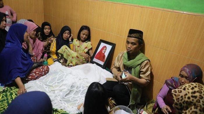 Istri Ustaz Maulana Meninggal karena Kanker Usus, Waspada Gejalanya, Ini Cara Mendeteksi Kanker Usus