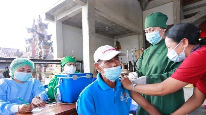 Lansia Bingung, Vaksinasi Usia Produktif Mulai Digencarkan di Desa Tihingan dan Desa Tegak Klungkung