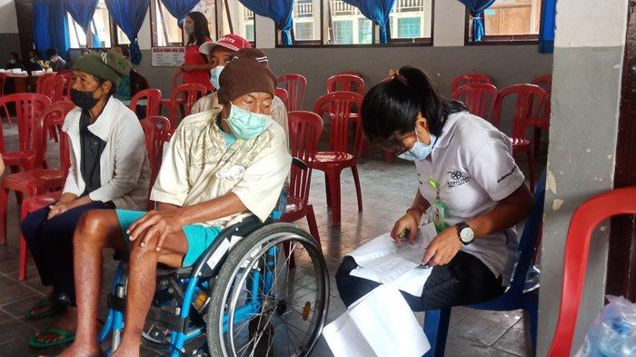 Penyandang Disabilitas di Bangli Dapat Bantuan Sembako Setelah Divaksin