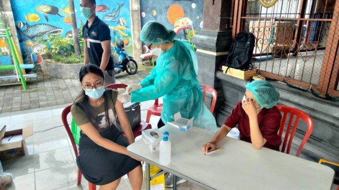 274 Orang di Desa Pemecutan Kelod Denpasar Ikuti Vaksinasi Dosis II