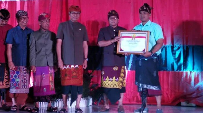Apresiasi untuk VOUK Hotel & Suites Nusa Dua Sebagai Role Model Bank Sampah Komunal