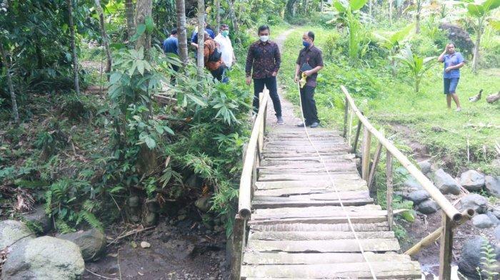 Sebanyak 60 KK di Kelurahan Pendem Terisolir Karena Tidak Ada Jembatan