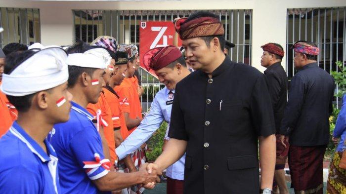 Pimpin Upacara HUT ke-74 RI di Rutan Negara, Wabup Kembang Hartawan Serahkan Remisi 59 Napi